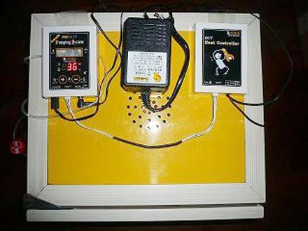 自動温度・湿度コントローラーの写真